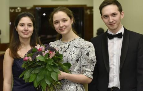 Bremen Glocke Bremen  Klavierwettbewerb 2016  v.l.n.r.:  2. Preis: ALINA-ELENA BERCU, RUM€NIEN  1. Siegerin, Sonderpreis fŸr die jŸngste Semifinalistin, Sonderpreis fŸr die beste Interpretation der Auftragskomposition, Publikumspreis: ELIZAVETA UKRAINSKAIA, RUSSLAND  3. Preis: SERGEY TANIN, RUSSLAND